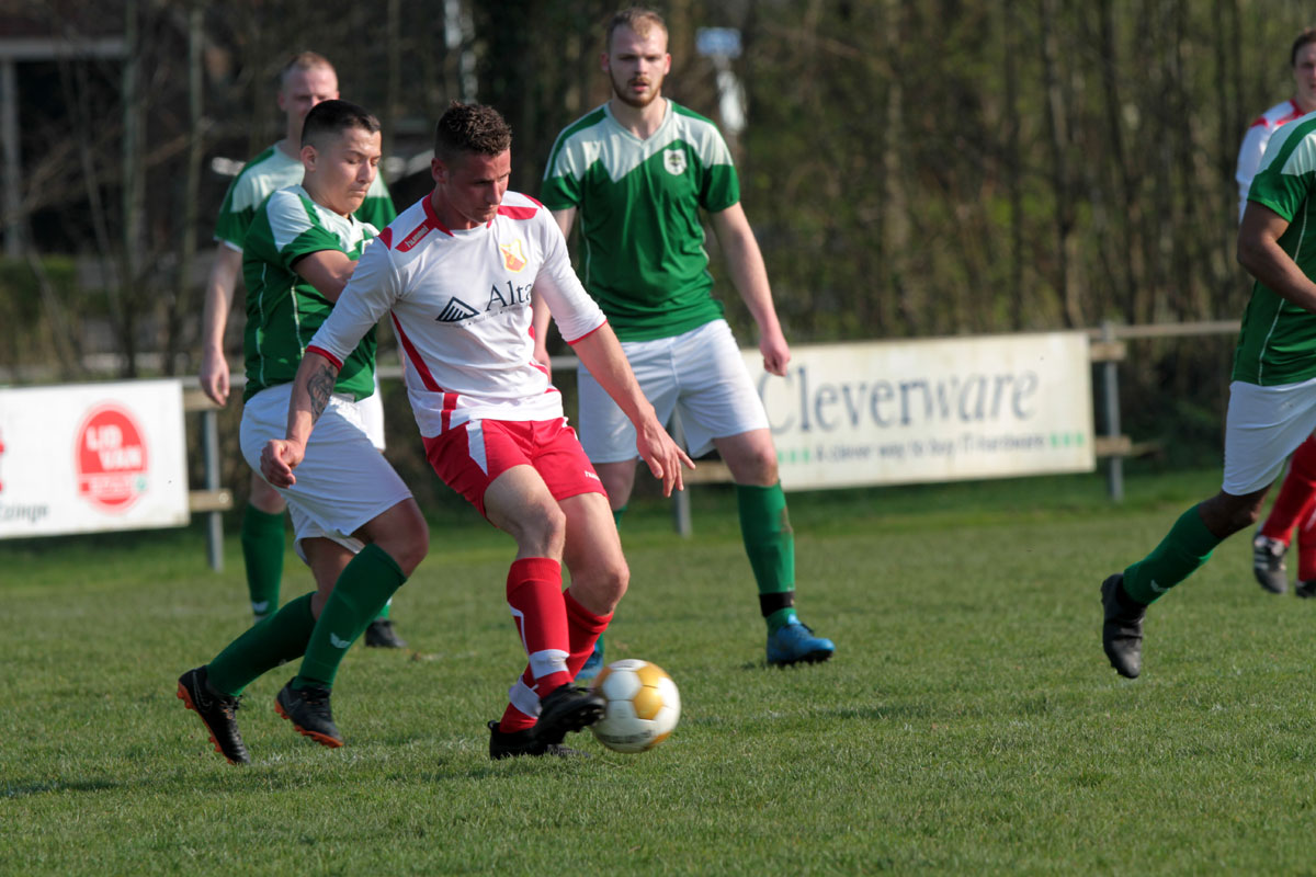Ezinge 1 - Oosterparkers (4-0)